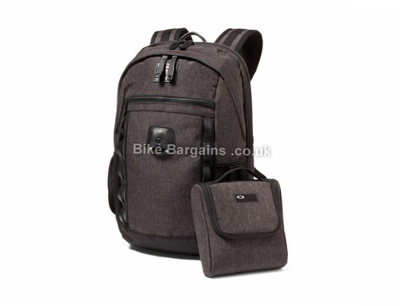 Oakley Voyage 22 Litre Backpack 22 Litres, Black