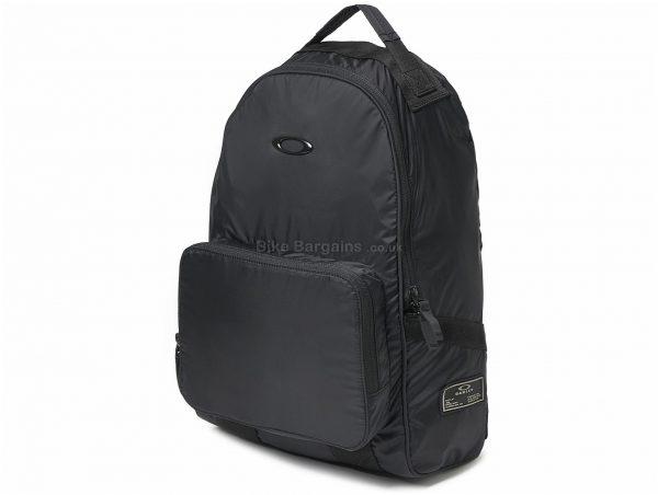 "Oakley 18 Litres Packable Backpack 18 Litres, Black, 17"", 11"", 6"", Polyester, Nylon"